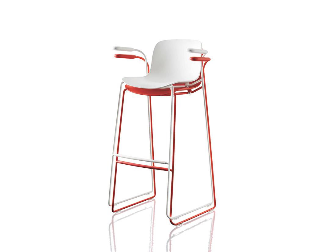 Chairs more ihrybauer gmbh barhocker stapelbar magis for Barhocker stapelbar